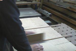 Schiebeschlitten-Tischkreissaege-PTS10-Fuehrungsleiste-schleifen2