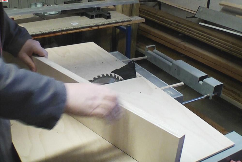 Schiebeschlitten-Tischkreissaege-PTS10-hintere-brett