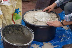 Deko-betonkugel-selbst-gemacht-ausgraben