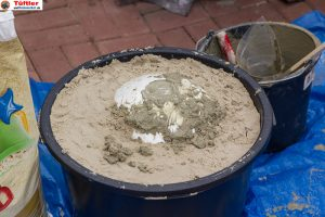 Deko-betonkugel-selbst-gemacht-beton-fuellen