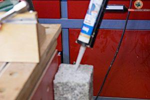 granit-dekosaeule-garten-silikon-in-loch-10