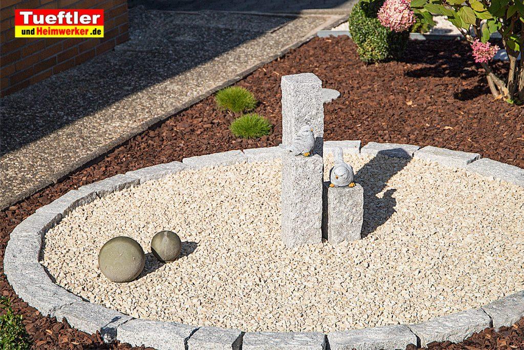 granit-dekosaeule-garten-vogel