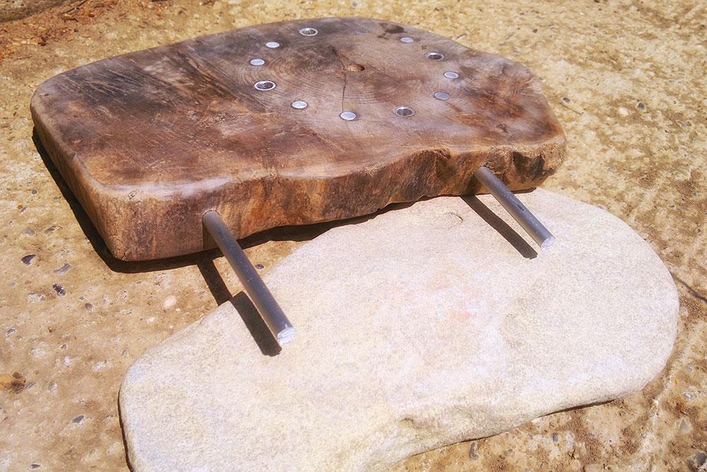 treibholz-deko-holzkuenstler-uhr-stein-staender