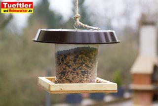 Vogelfutterhäuschen schnell gebaut