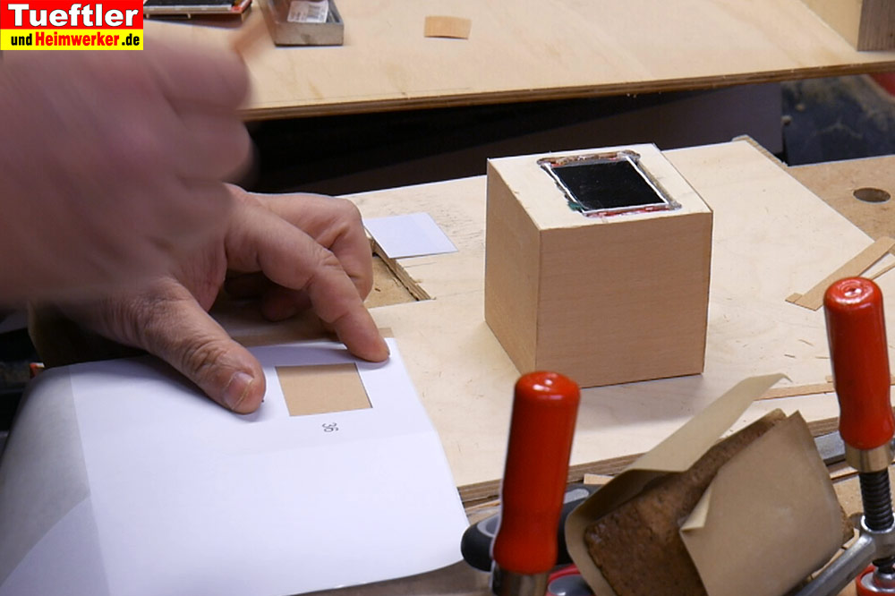 Step10-Furnier-mit-Display-Ausschnitt
