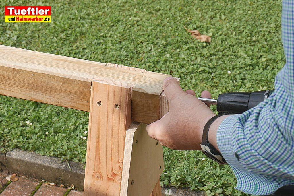Holzbock-selber-bauen-anschlag-anschrauben-15