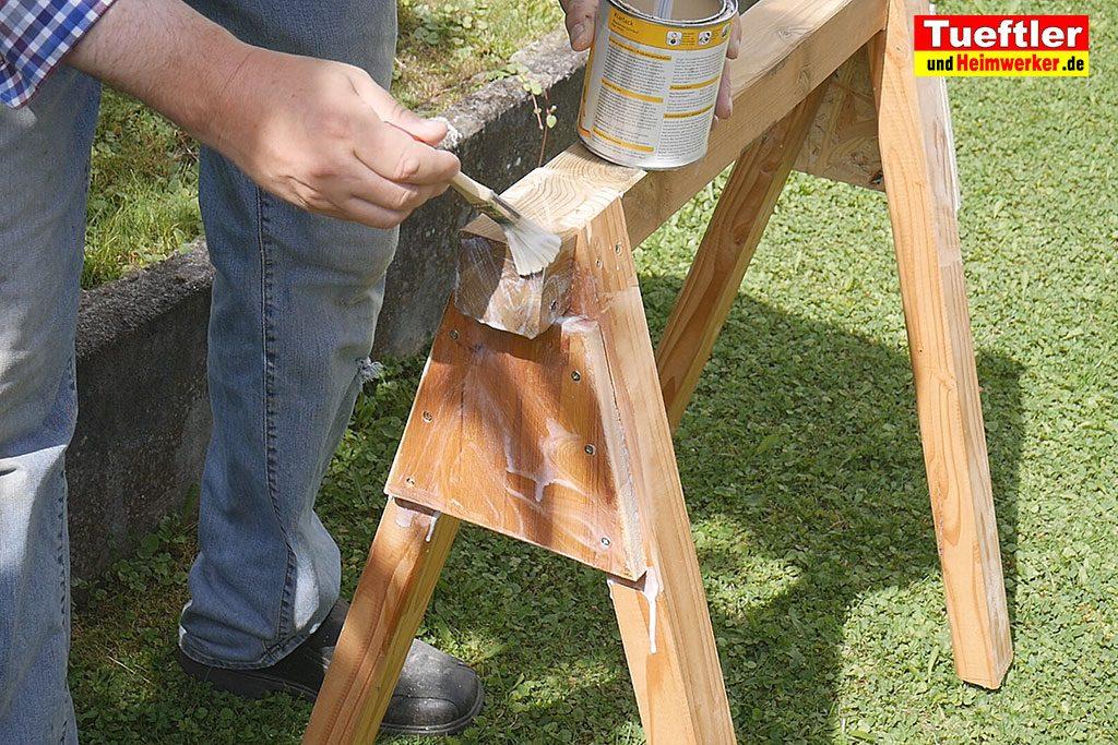 Holzbock-selber-bauen-anstreichen-klarlack-16