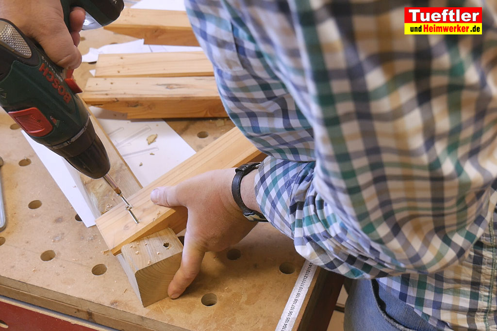 holzbock selber bauen bein anschrauben 10 tueftler und. Black Bedroom Furniture Sets. Home Design Ideas