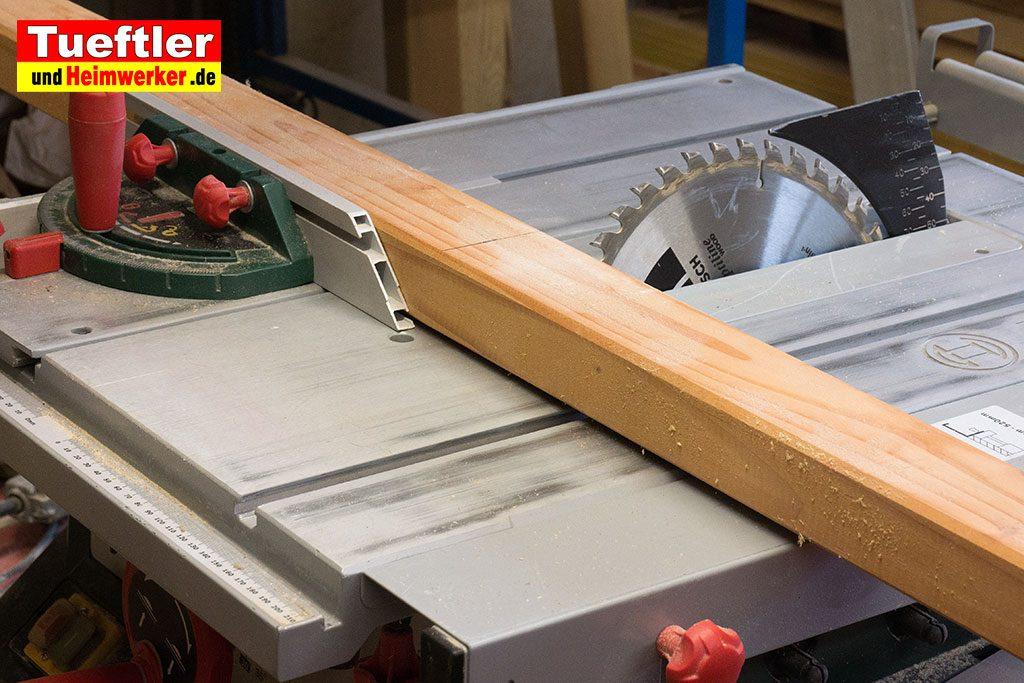 Holzbock-selber-bauen-beine-vorsaegen
