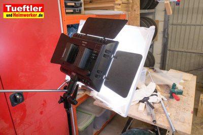 Led-Videoleuchte-Diffusor-Rahmen-Halter-angebracht.jpg