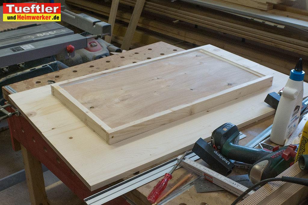 Katzenhaus-DIY-Projekt-Dach-verkleiden