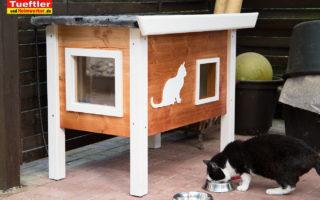 Katzenhaus-DIY-Projekt-Fertig-aufgebaut