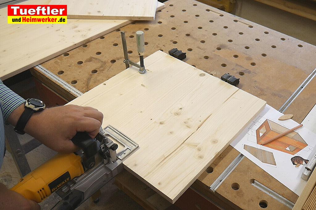 Katzenhaus-DIY-Projekt-Leimholz-Flachduebel-Stepp2