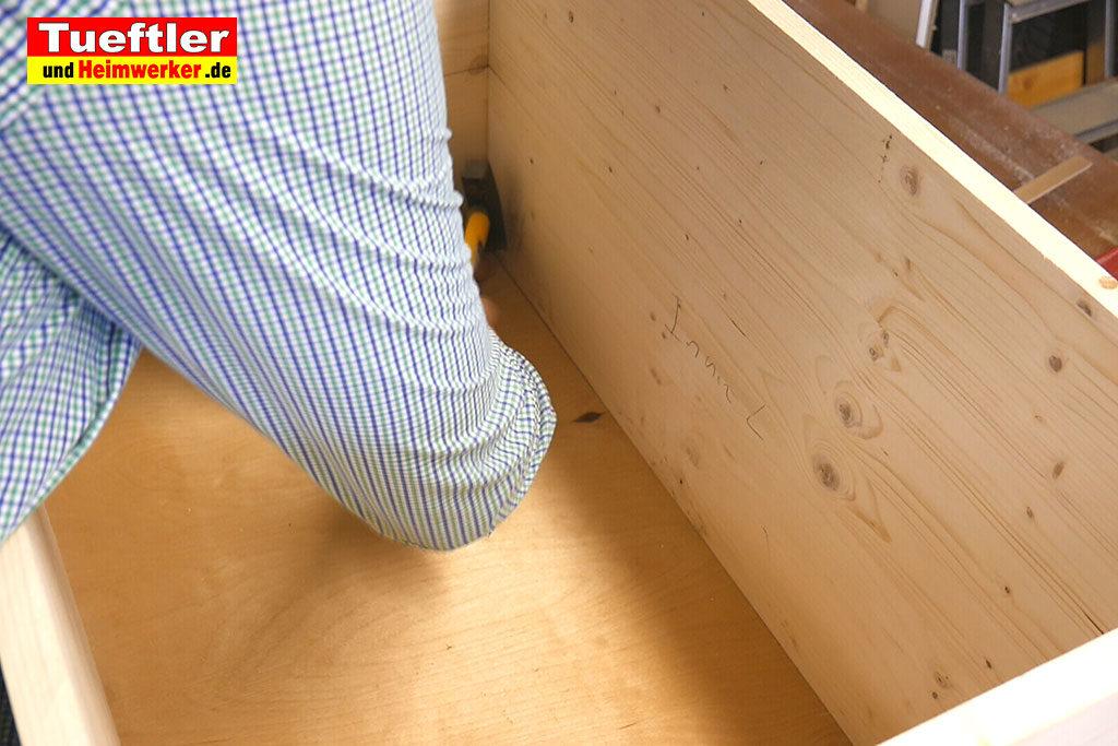 Katzenhaus-DIY-Projekt-Leimholz-Sperrholz-einsetzen-Stepp5e