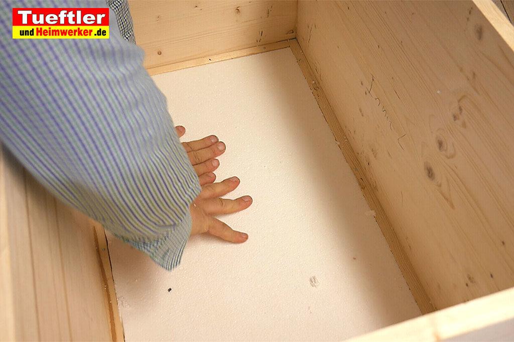 Katzenhaus-DIY-Projekt-Leimholz-Styropor-einsetzen-Stepp5d