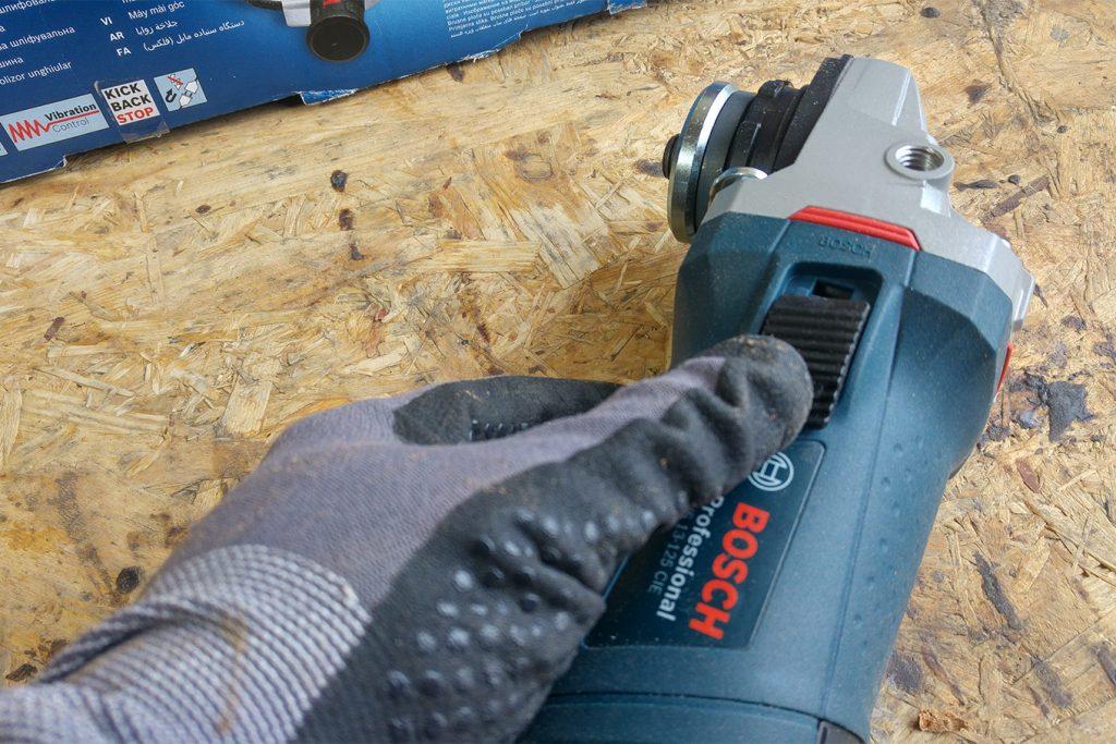 Bosch-Professional-GWS-13-125-CIE-Winkelschleifer-Test-5