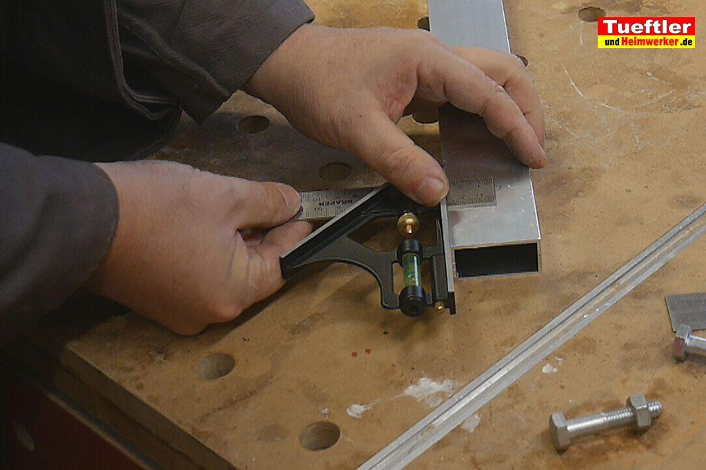 Schritt1b-Korpuszwinge-Eigenbau-Bohrloch-Abstand-merken
