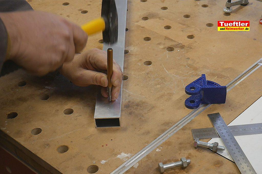 Schritt2-Korpuszwinge-Eigenbau-Bohrloch-koernen