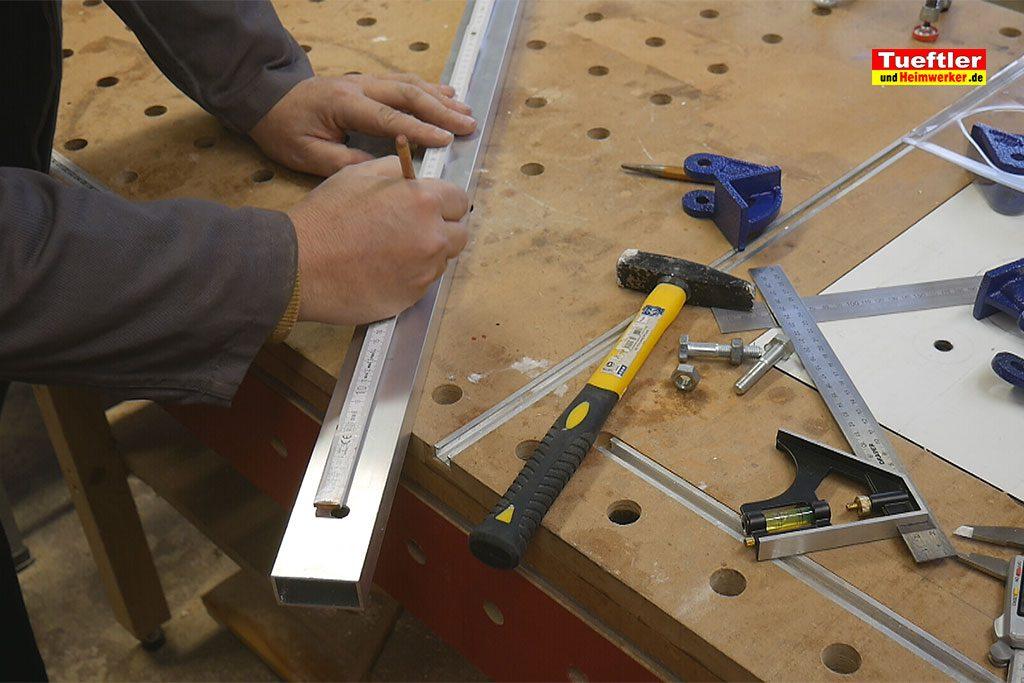 Schritt5-Korpuszwinge-Eigenbau-Loecher-ausmessen-anzeichnen
