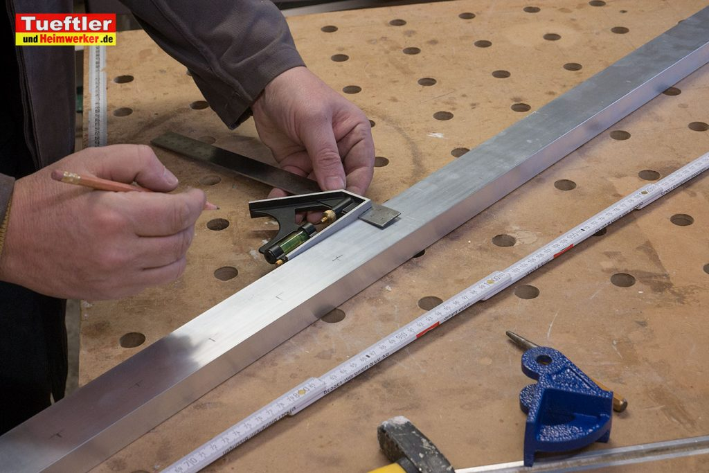 Schritt5b-Korpuszwinge-Eigenbau-Loecher-ausmessen-anzeichnen