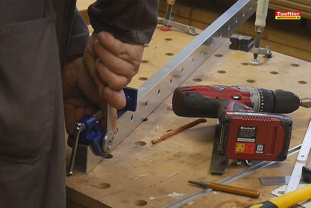 Schritt9-Korpuszwinge-Eigenbau-Spannzange-anschrauben