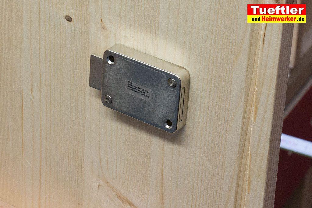 Ladestation-Wallbox-bauen-schloss-montieren-s13
