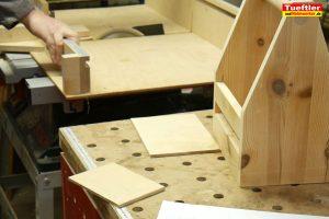 Biertraeger-Flaschentraeger-Maenerhandtasche-Holz-Unterteilung-bauen5