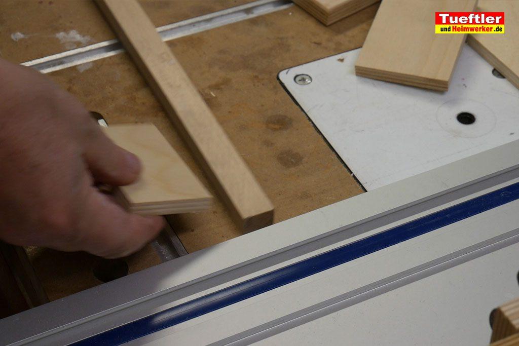 Massanschlagschienen-Laengenanschlag-Handkreissaege-DIY-Fuehrungsschiene-Halter-Schritt-3