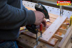 Schritt-11b-Hochbeet-Muellbox-Gartenbox-Klappe-bauen
