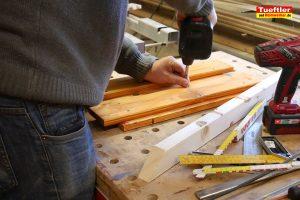 Schritt-14c-Hochbeet-Muellbox-Gartenbox-Klappen-obere-Einsatz-bauen