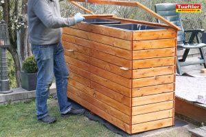 Schritt-14d-Hochbeet-Muellbox-Gartenbox-Klappen-obere-Einsatz-bauen