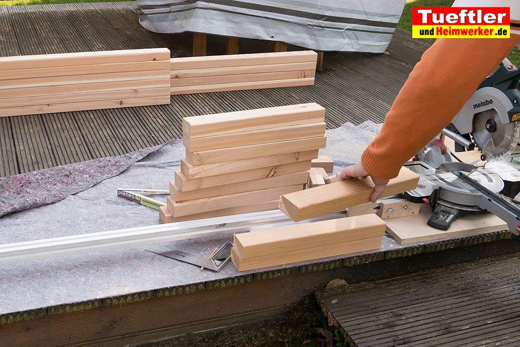 Schritt-2-Hochbeet-Muellbox-Gartenbox-Douglasie-Holz-zusaegen