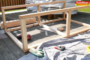 Schritt-5b-Hochbeet-Muellbox-Gartenbox-Rahmen-verbinden