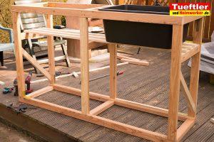 Schritt-6d-Hochbeet-Muellbox-Gartenbox-Dachlatten-befestigt
