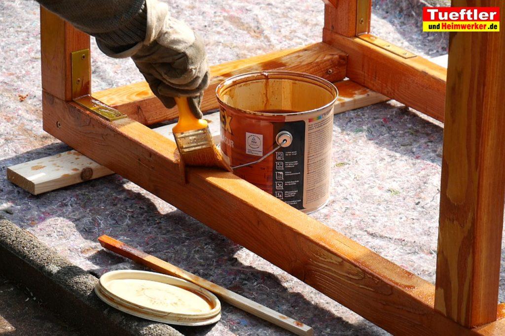 Schritt-7b-Hochbeet-Muellbox-Gartenbox-Offenporige-Lasur-streichen
