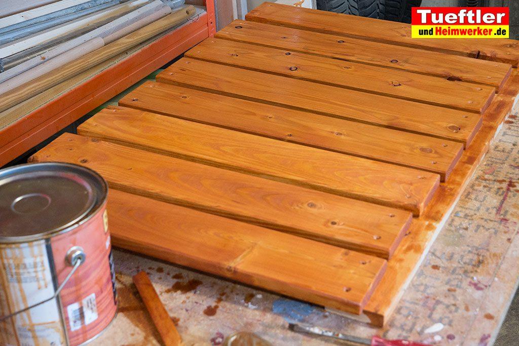 Schritt-9-Hochbeet-Muellbox-Gartenbox-Bretter-Lasur-streichen