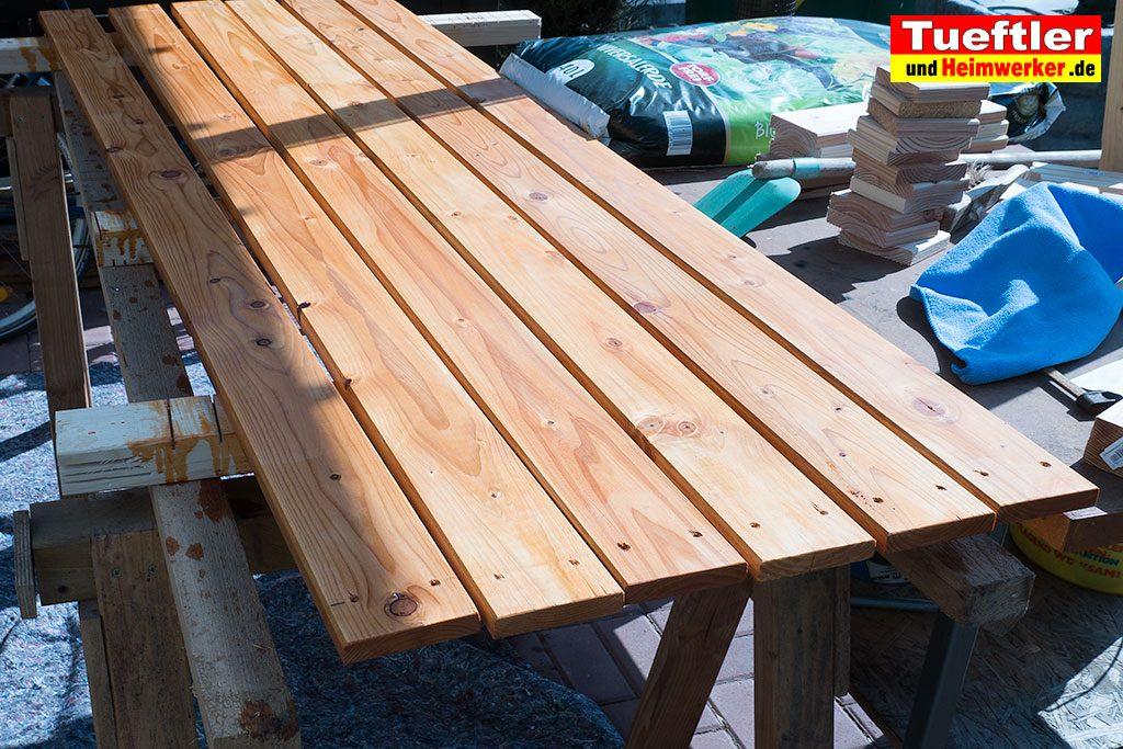 Schritt-9c-Hochbeet-Muellbox-Gartenbox-Bretter-Lasur-streichen