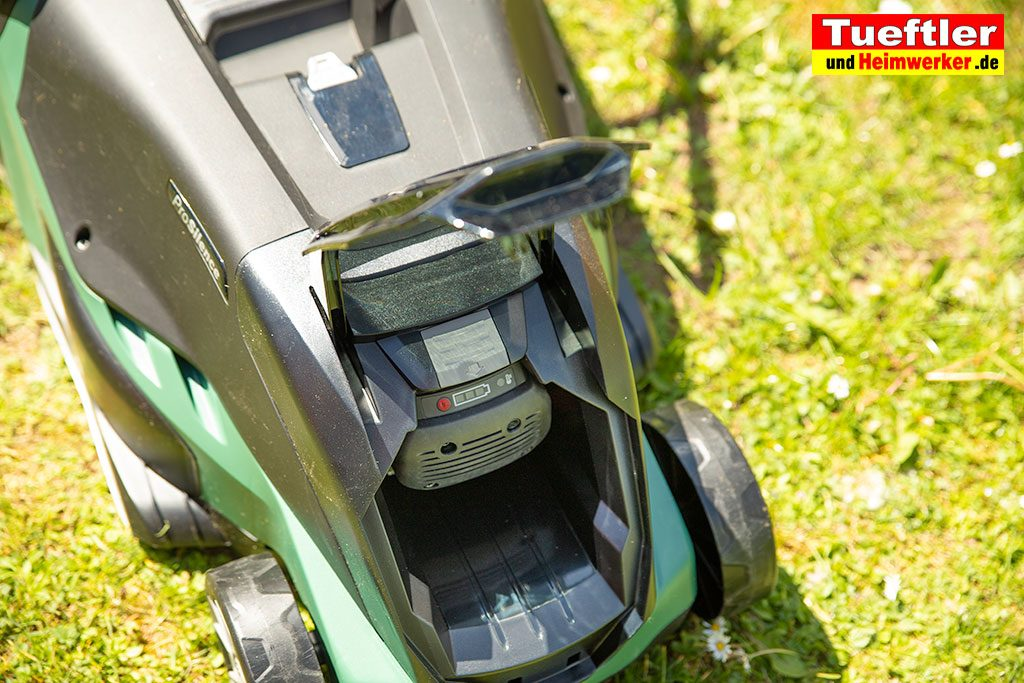 Akku-Rasenmaeher-Test-Bosch-Universal-Rotak-36-550-36-560-Akku