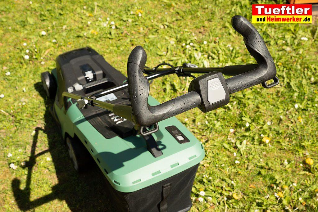 Akku-Rasenmaeher-Test-Bosch-Universal-Rotak-36-550-36-560-Griff