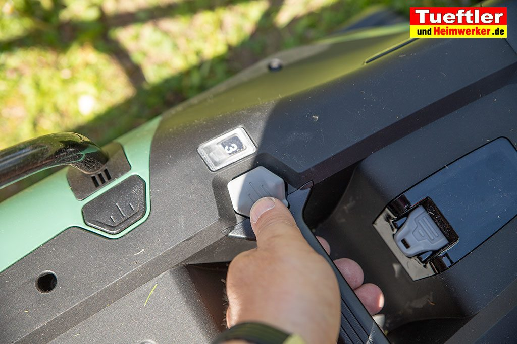 Akku-Rasenmaeher-Test-Bosch-Universal-Rotak-36-550-36-560-Hoehenverstellung