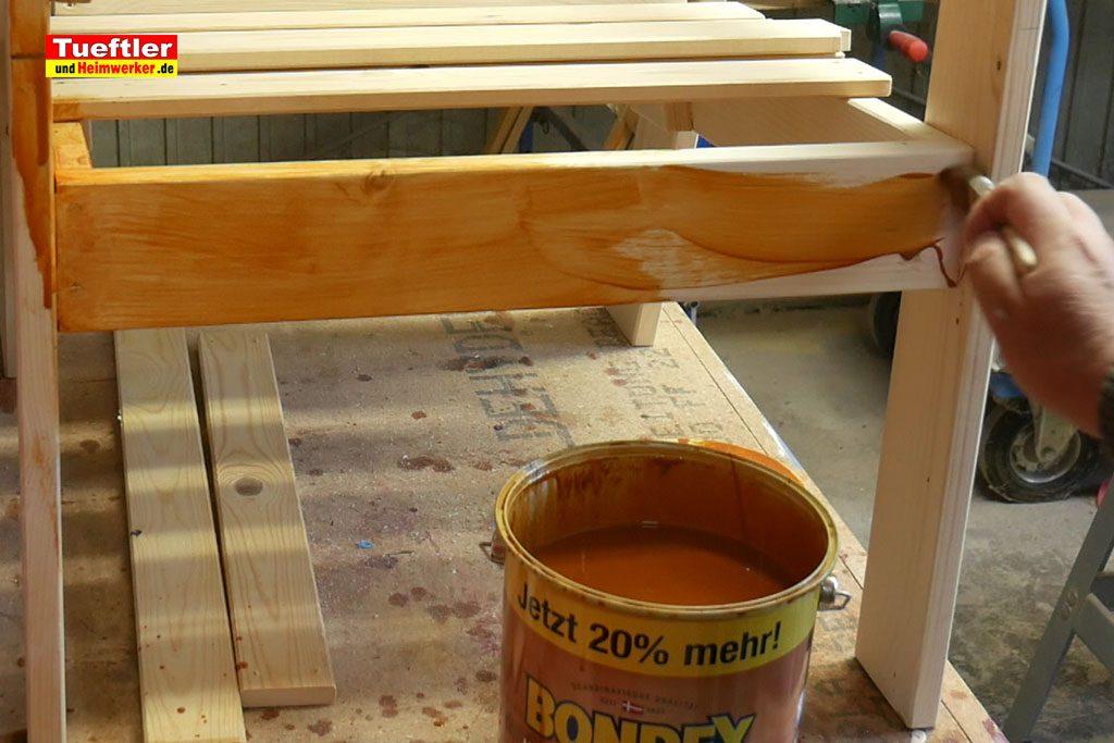 Gartenstuhl-bauen-Gartensessel-lasieren