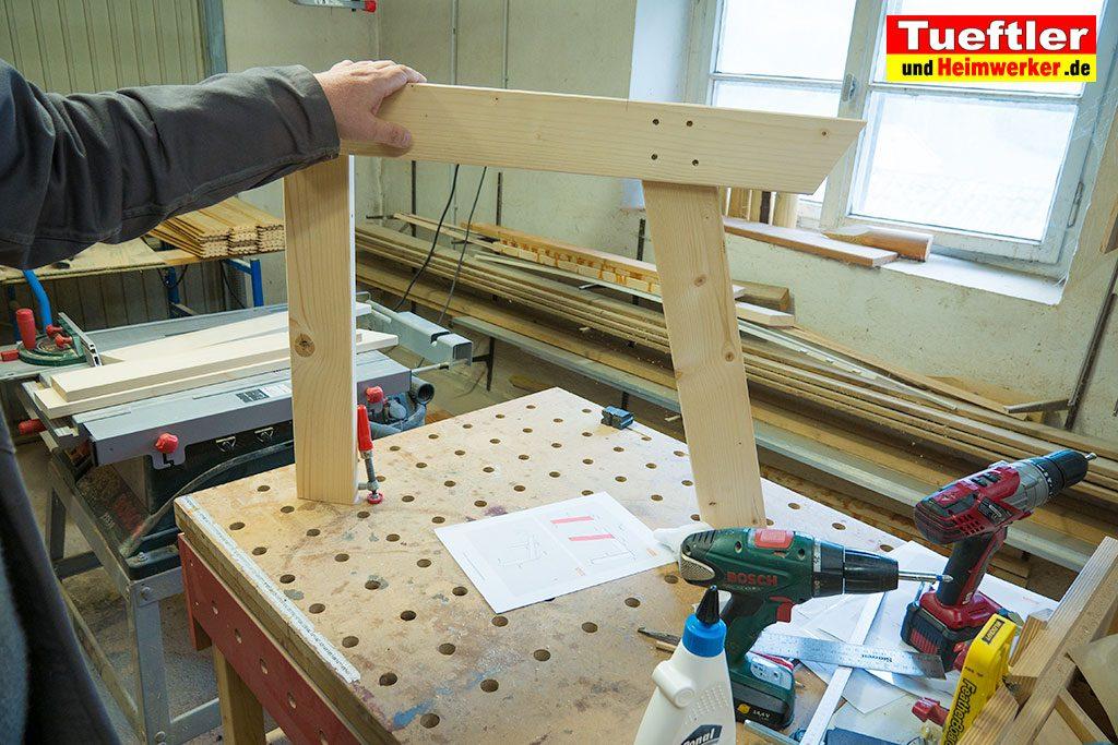 Gartenstuhl-bauen-Rahmen-zusammenbauen-2