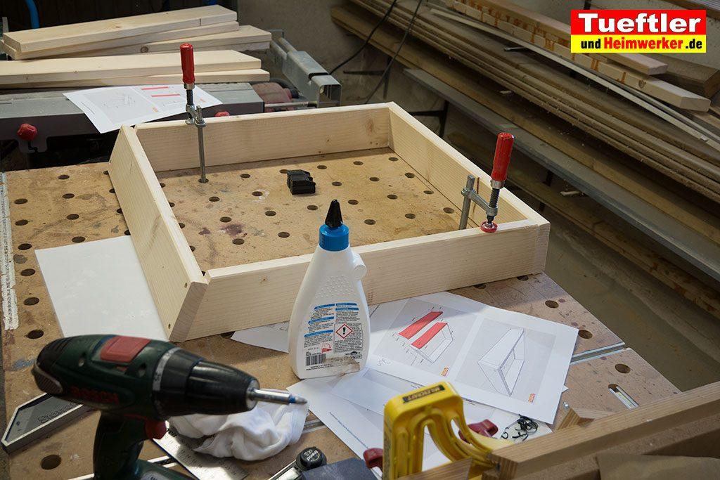 Gartenstuhl-bauen-Sitzflaeche-zusammenbauen