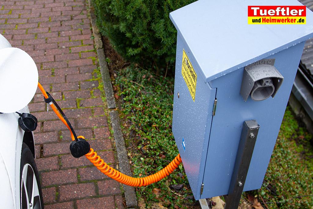 Ladestation-Wallbox-Typ2-Halter-Aussen-Elektromobilitaet-3D-Modell-3