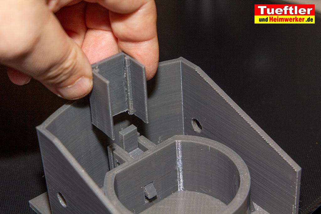 Typ2-Halter-Aussen-Elektromobilitaet-3D-Modell-Kappe-aufschieben-1