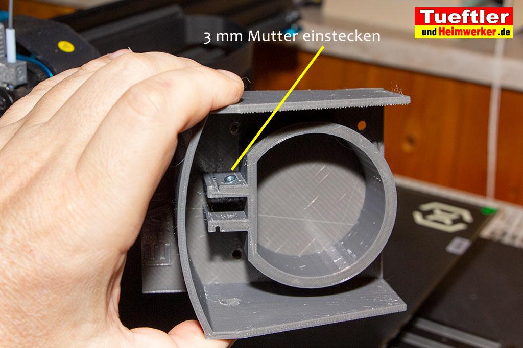 Typ2-Halter-Aussen-Elektromobilitaet-3D-Modell-Mutter-einstecken