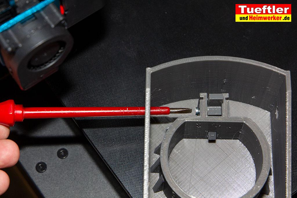 Typ2-Halter-Aussen-Elektromobilitaet-3D-Modell-festschrauben