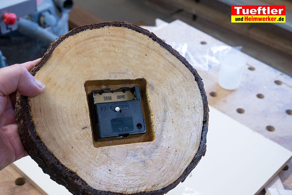 Baumscheiben-Uhrwerk-einbauen-5