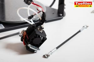 Flsun-Q5-Delta-3D-Drucker-Tutorial-Aufbau-Gestaenge-am-Druckkopf-montieren-1