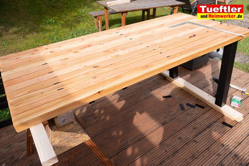 Gartentisch-bauen-DIY-Projekt-Schritt-11b